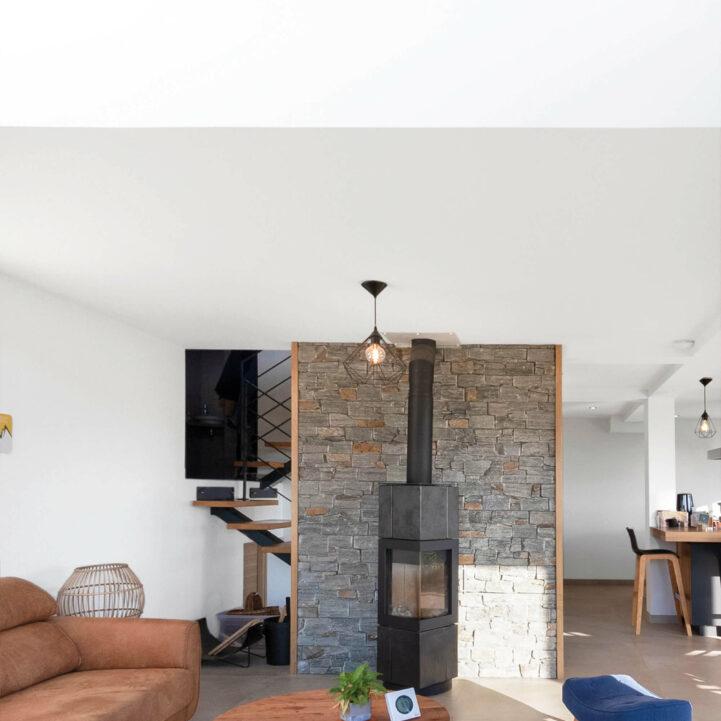 Maison particulier Chapeiry Haute-Savoie salon - Ciel Architecture